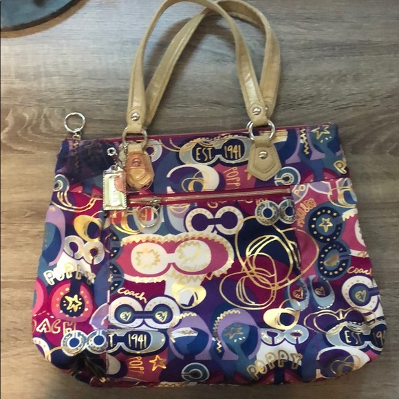 Coach Handbags - Coach Poppy zip tote
